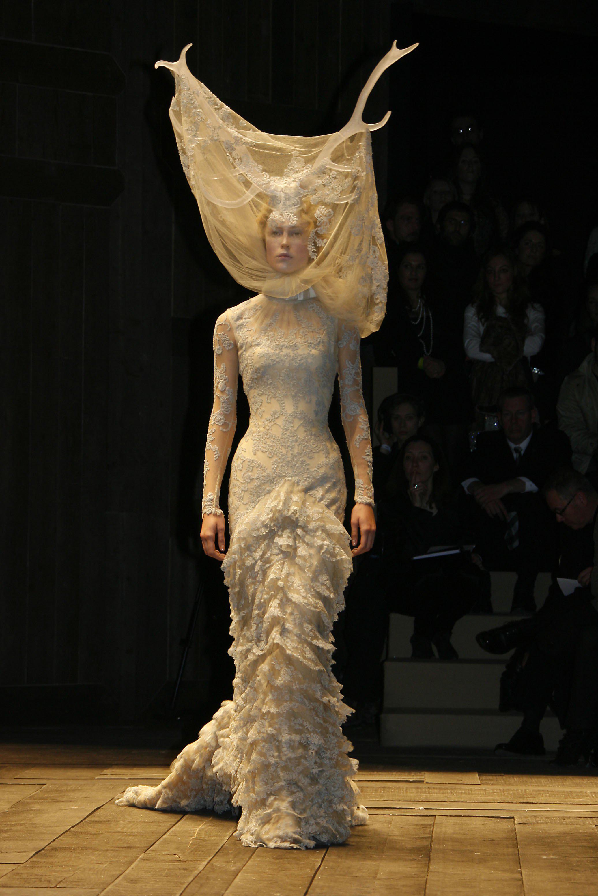 Alexander McQueen - Paris Fashion Week Autumn 2006