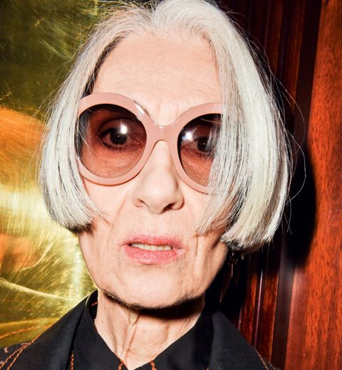 Dolores: 70 ans, mannequin