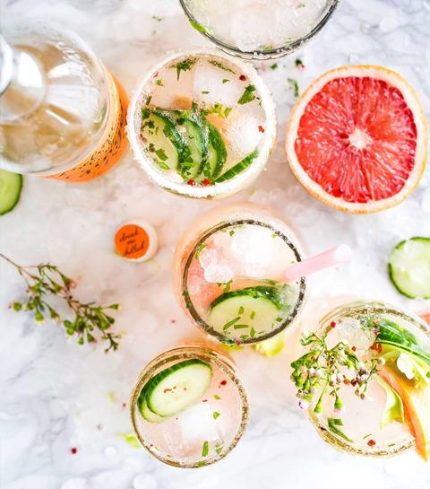 3 savoureuses recettes d'eau infusée