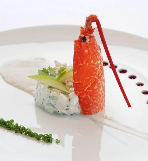 Entrée: tartare d'artichaut au homard, vinaigrette aux algues à 140 Kcal/personne