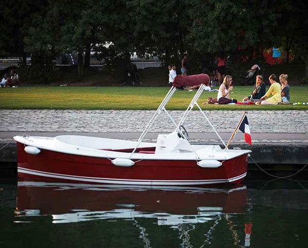 pique-nique-parc-de-la-villette-canal-de-l-ourcq_GM
