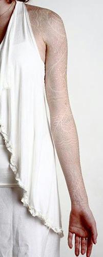 25 tatouages l 39 encre blanche - Tatouage a l encre blanche ...