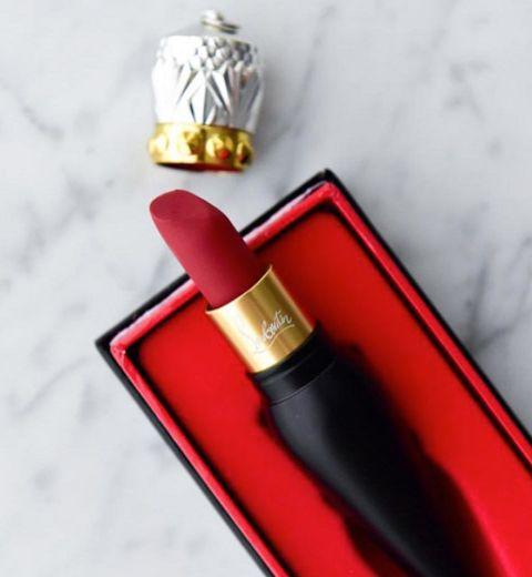 Louboutin sort un rouge à lèvres
