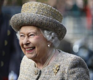 LONDON, UNITED KINGDOM - NOVEMBER 6:  Queen Elizabeth II smiles as she arrives before the Opening of the Flanders' Fields Memorial Garden at Wellington Barracks on November 6, 2014 in London, England. (Photo by Stefan Wermuth - WPA Pool /Getty Images)