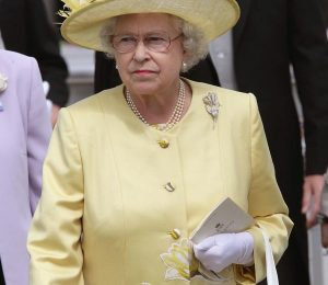 ASCOT, UNITED KINGDOM - JUNE 20:  Queen Elizabeth ll walks around Ascot Racecourse during the Second day of The Royal Meeting held at the Berkshire track on June 20, 2007, in Ascot, England.  (Photo by Gareth Cattermole/Getty Images)