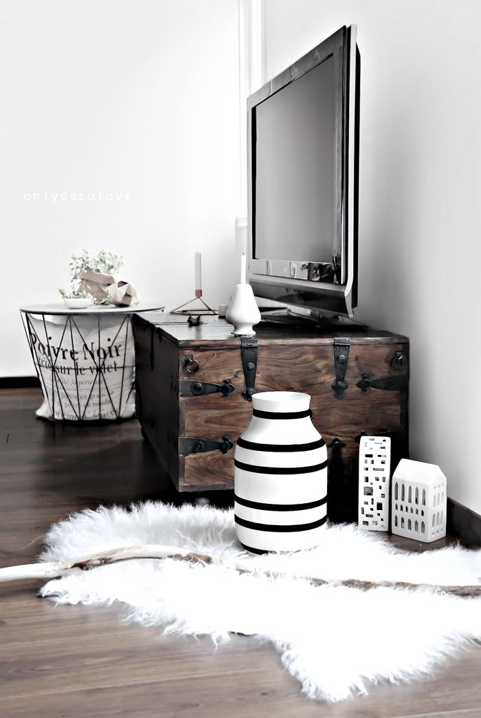 o placer sa t l dans le salon page 4 sur 4. Black Bedroom Furniture Sets. Home Design Ideas