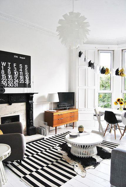 o placer sa t l dans le salon page 4 sur 4. Black Bedroom Furniture Sets. Home Design Ideas