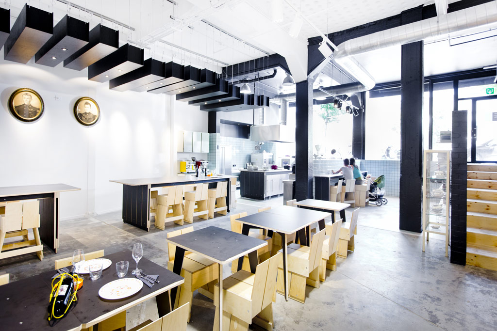 Restaurant Garage-à-manger, 185, rue Washington, 1050 Bruxelles (Ixelles). Architecte Frédéric Quertainmont et Vanessa Schneider, architecte d'intérieur, bureau protOtype.[BXL], Joël Geismar, chef (El Camion)./. Photo : Geoffroy LIBERT / protOtype.[BXL] - TOUS DROITS RESERVES - ALL RIGHTS RESERVED Tel : +32/477.47.61.25 - jos_2001@yahoo.com
