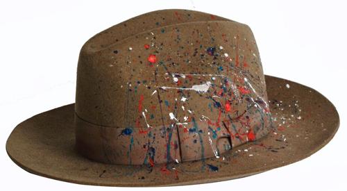 Chapeau en feutre, Sensi, 225€ chez Cachemire Coton Soie.