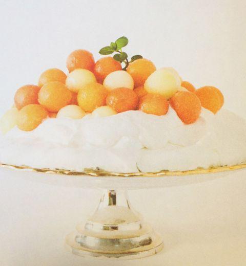 Le dessert : pavlova au yogourt et aux melons