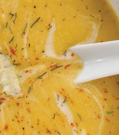 Le potage à base de chou-fleur version crémeuse-épicée