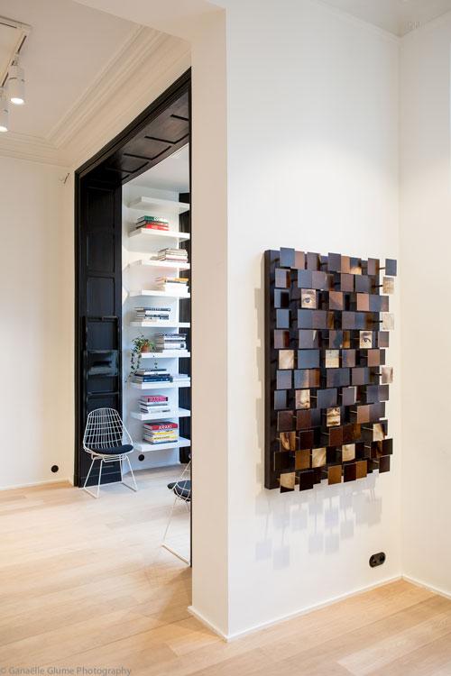Photo de la salle d'exposition de l'Atelier Relief à Bruxelles