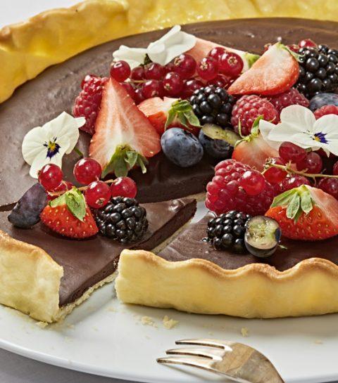 Recette: la tarte au chocolat et aux fruits qui va vous rendre accro
