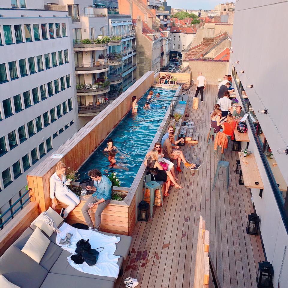J 39 peux pas j 39 ai piscine le nouveau rooftop bruxellois for Hotel piscine bruxelles