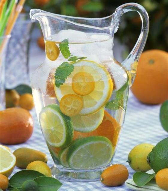 Homemade-Vitamin-Fruit-Water