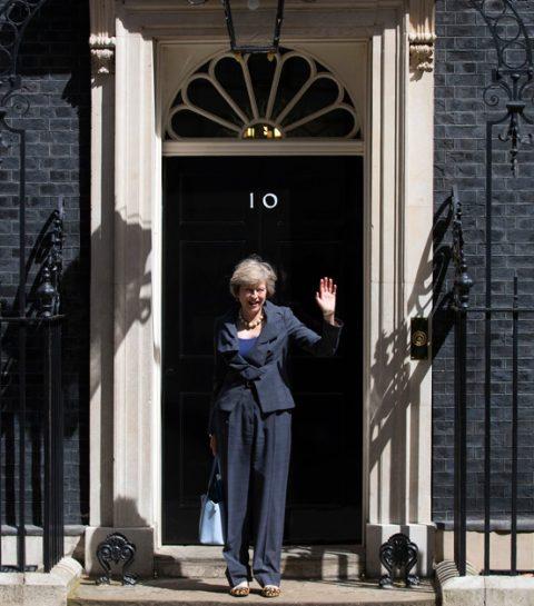 Pourquoi les chaussures de Theresa May sont-elles si fascinantes?