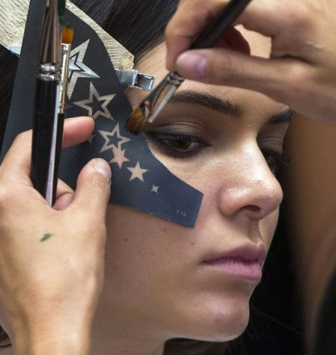 Kendall Jenner choque avec son nouveau tattoo