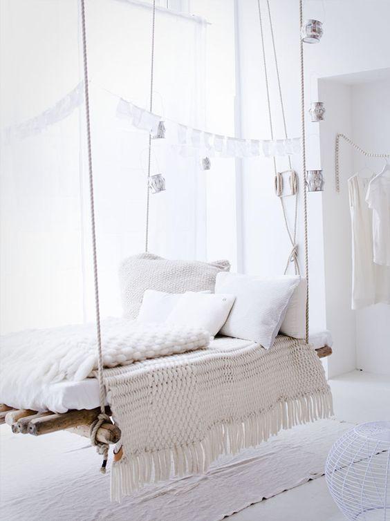 Voir la vie en blanc. Cette couleur apaisante invente au repos et à la détente.