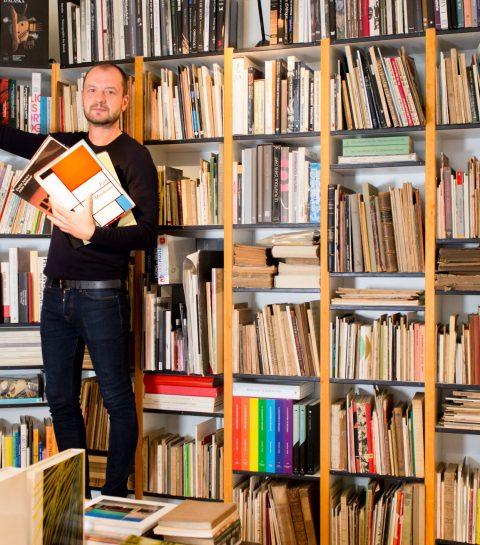 Dans la bibliothèque de six personnalités bruxelloises