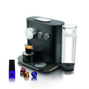Les Nespresso Expert (279€) et Nespresso Expert&milk (329€) sont disponibles en noir ou gris anthracite.