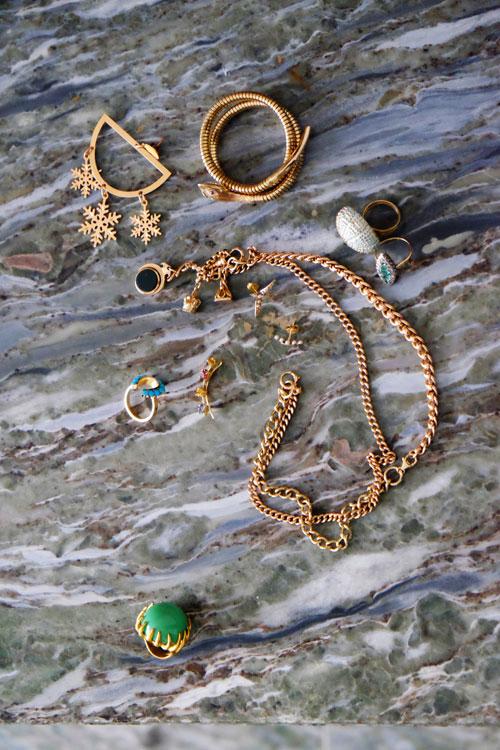 ses-bijoux-fetichesok-1-glissees
