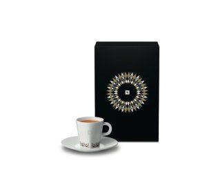 Prix de vente recommandé pour un set de deux tasses Espresso PURE avec les sous-tasses assorties : € 23