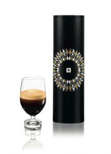 Prix de vente recommandé pour un set de deux verres Lungo REVEAL (230 ml) : € 30