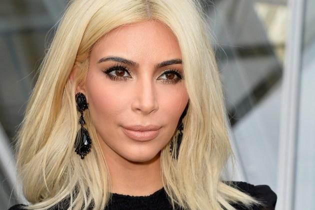 Kim Kardashian cheveux abimés quels produits appliquer