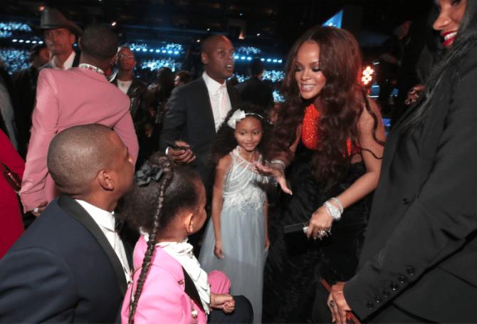 Grammy-Awards-2017-Blue-Ivy-Gucci-smoking-kids-red-carpet-rode-loper-3-768x522