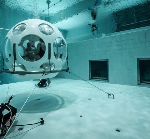 Deep Dinner: manger dans une bulle à 5 mètres sous l'eau