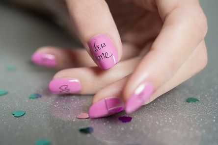Le nail art à message