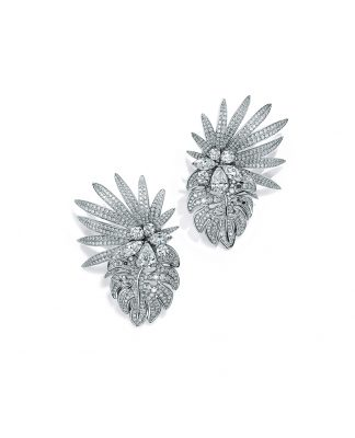 TIFFANY_38172611_Earrings-in-platinum-with-marquise,-pear-shaped-and-round-brilliant-diamonds,-from-the-Tiffany-2017-Blue-Book-Collection,-the-Art-of-the-Wild.-(2)