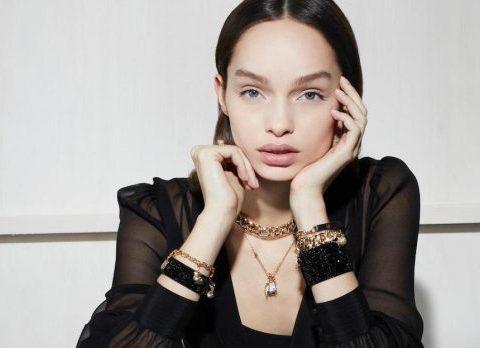 Karl Lagerfeld et Swarovski lancent une collection de bijoux fantaisie