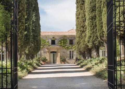 L'amour de Christian Dior pour la Provence raconté dans un livre