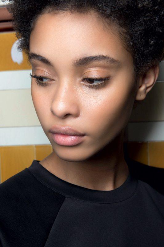 Quels produits de soin et make-up pour un teint 100% éclatant ? - 7