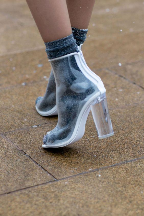 boots transparentes