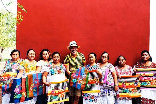 Le Mexicaba de Christian Louboutin brodé par les Mayas - 3
