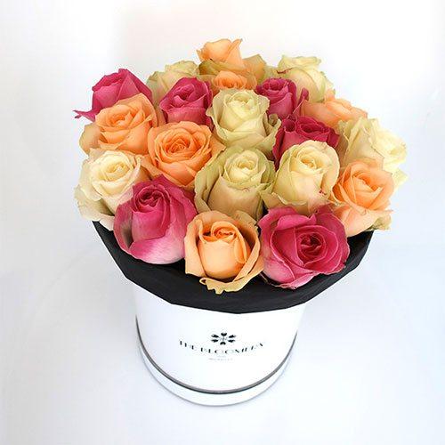 Roses fraîches livrées dans une boite à chapeau, The Bloomery, 79€
