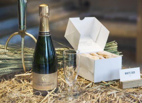 Dandoy en terrasse, biscuits légers et champagne
