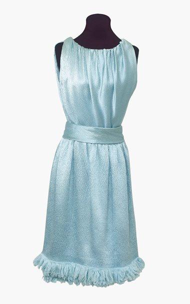 Robe bleue en satin Givenchy, entre 10 000 et 15 000 £