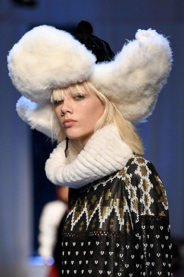 Paris Haute Couture : Jean-Paul Gaultier, ses reines des neiges - 3