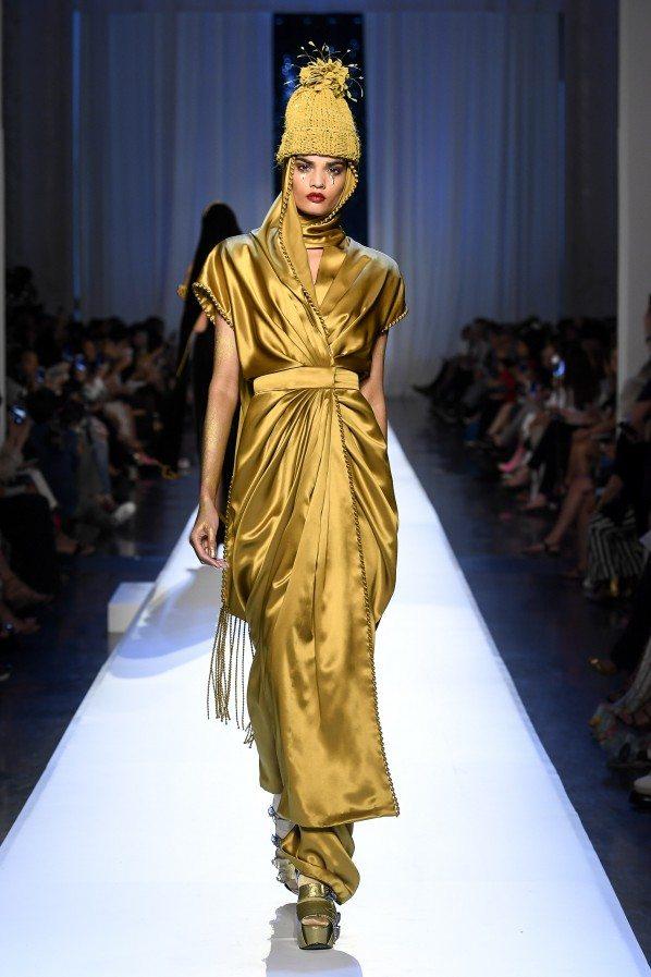 Paris Haute Couture : Jean-Paul Gaultier, ses reines des neiges - 6