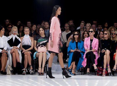 cb33874368356 Pourquoi les créateurs de mode désertent-ils les Fashion Weeks ...