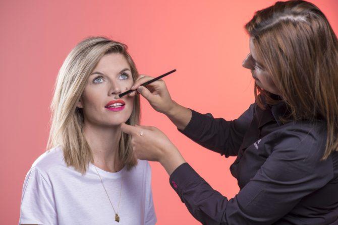 Tutorial: hoe breng je smetteloos matte lipstick aan? - 7