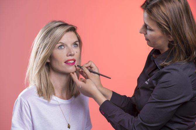 Tutorial: hoe breng je smetteloos matte lipstick aan? - 6