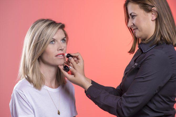 Tutorial: hoe breng je smetteloos matte lipstick aan? - 2