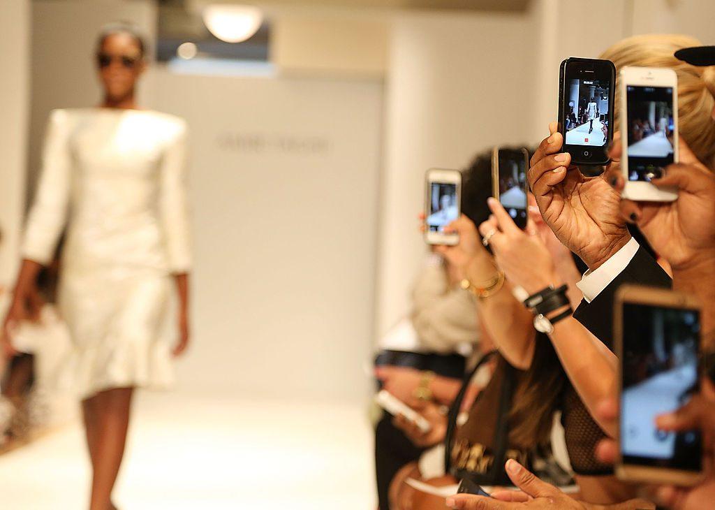 Pourquoi les créateurs de mode désertent-ils les Fashion Weeks ? - 4
