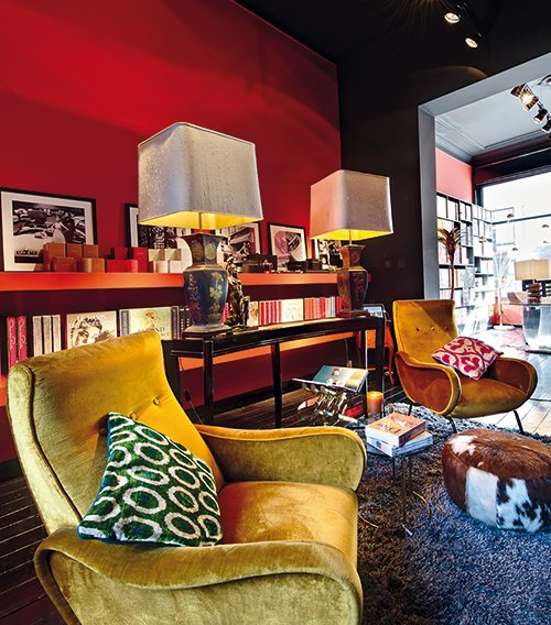 """La boutique """"concept"""" Assouline à Bruxelles, un endroit pluriel où trouver des livres comme de la déco qui tue."""