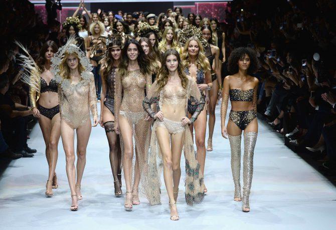 Etam Runway - Paris Fashion Week