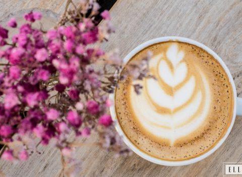 Tuto : Comment dessiner une fleur dans mon café ?